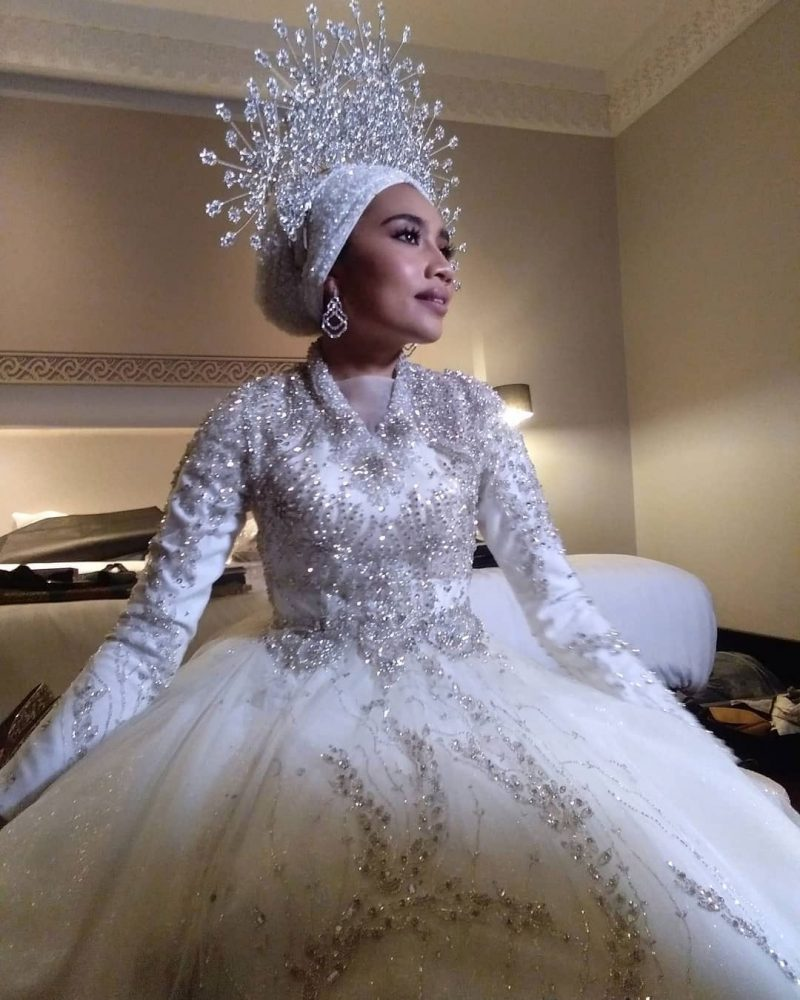11 Busana Perkahwinan Selebriti Malaysia Yang Menjadi Impian Semua